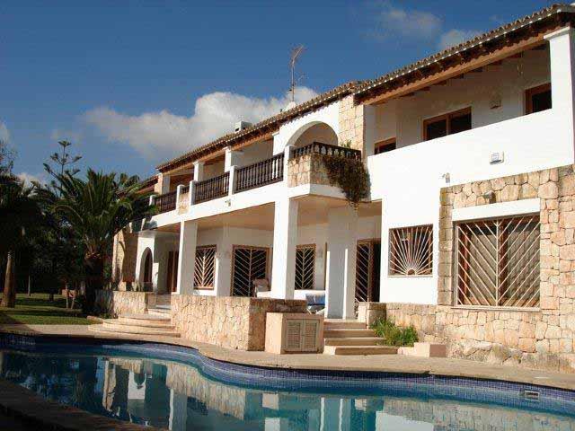 Casaviva Ibiza Inmobiliaria: Bonita villa con vistas al mar en Sa Carroca - Ibiza.