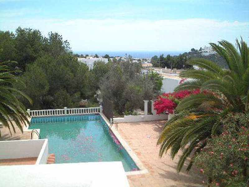 Casaviva Ibiza Inmobiliaria: Villa with beautiful views to the sea and Puig de Misa - Santa Eulalia.