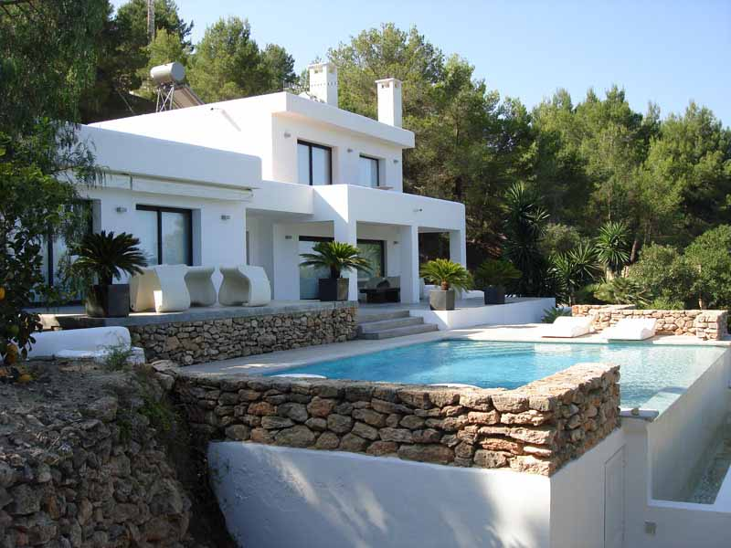 Casaviva Ibiza Inmobiliaria: Villa with mediterranean style and a modernist touch in San Jos�.