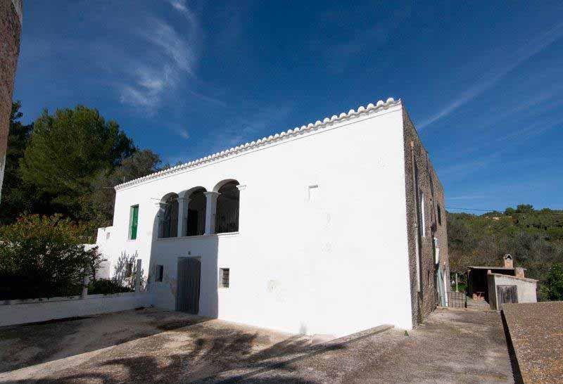 Casaviva Ibiza Inmobiliaria: Finca con torre situada en el campo en San Lorenzo - San Juan.