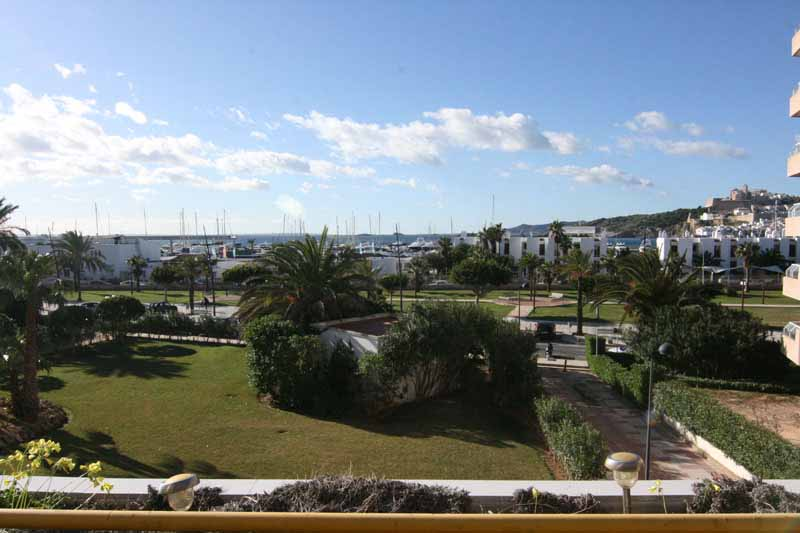 Casaviva Ibiza Inmobiliaria: Luxury flat in sea front located in Marina Botafoch - Ibiza.