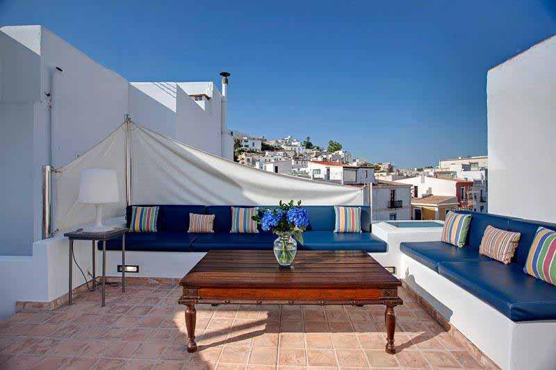 Casaviva Ibiza Inmobiliaria: Preciosa casa r�stica completamente reformada sita en La Marina - Ibiza.