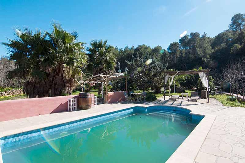 Casaviva Ibiza Inmobiliaria: Gran terreno con casa situado en San Miguel - San Juan.