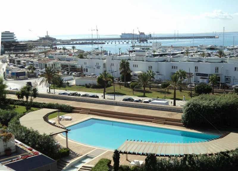 Casaviva Ibiza Inmobiliaria: Piso en primera l�nea de Marina Botafoch - Ibiza.