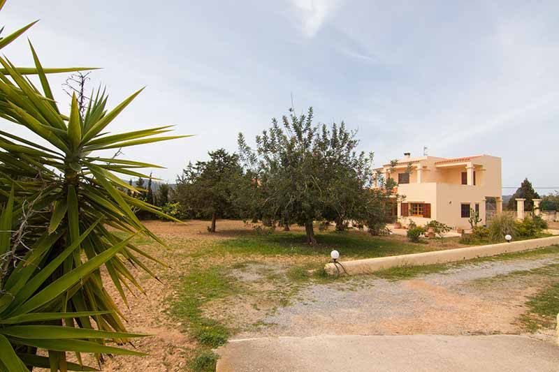 Casaviva Ibiza Inmobiliaria: Villa with views to Dalt Vila located in Jes�s - Ibiza.