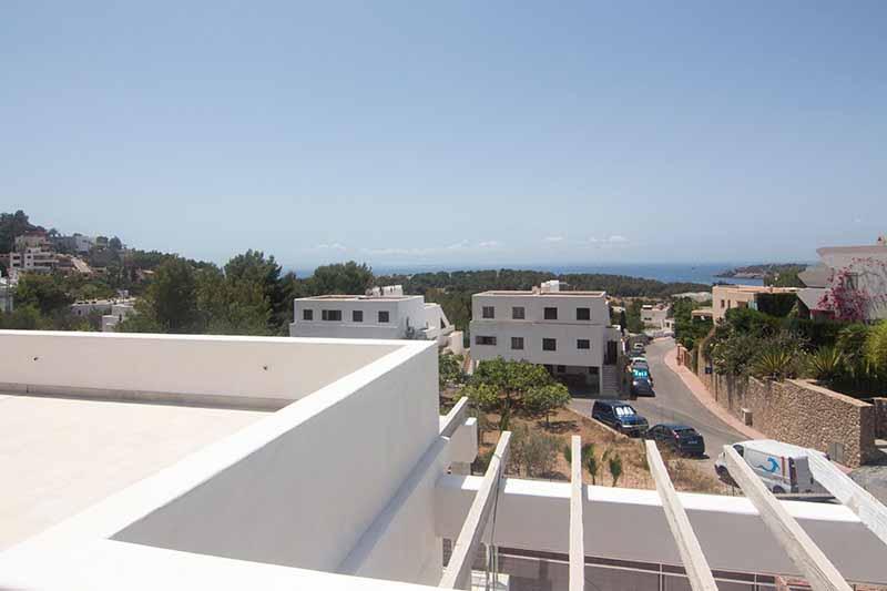 Casaviva Ibiza Inmobiliaria: Villa de obra nueva con bonitas vistas al mar situada en Talamanca  - Ibiza.